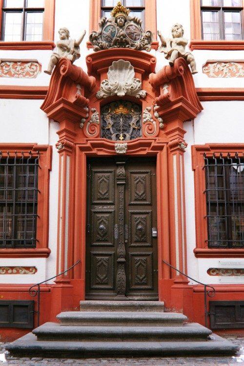 Portal des Schelfenhauses in Volkach