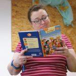 Michaela Hanauer an der Grundschule Immenreuth, Workshop für die Ganztagsschülerinnen und -schülern