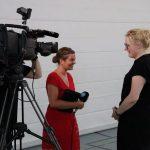 Dr. Claudia Maria Pecher im Gespräch mit dem Fernsehsender TVA nach der Auftaktveranstaltung