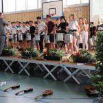 Die Samba-Gruppe der CFMS begrüßt mit Paukenschlag und viel Rhythmus den Lese-Kick an ihrer Schule