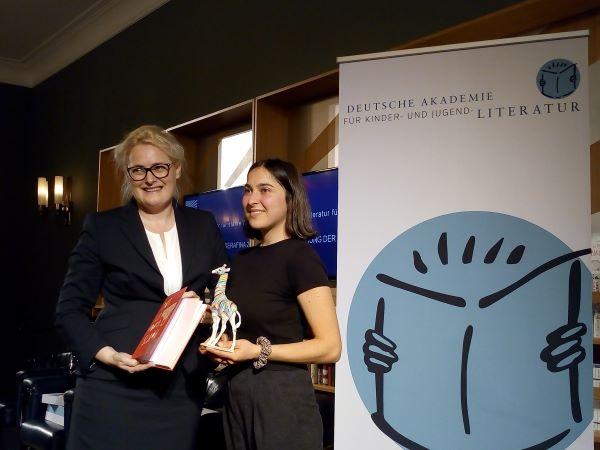 SERAFINA-Preisträgerin Lucia Zamolo mit Dr. Claudia Maria Pecher, Foto: Akademie KJL