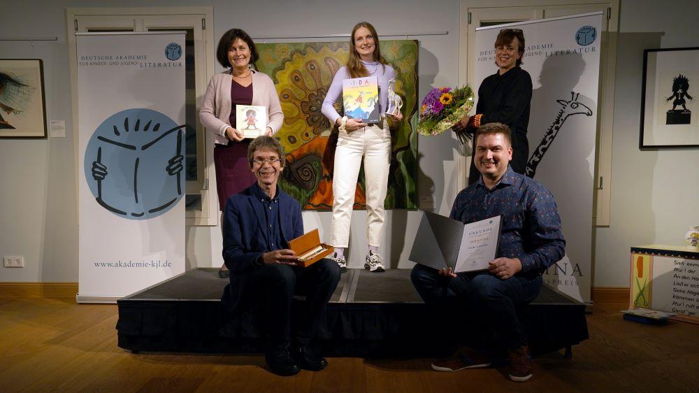 Serafina 2020: Linda Schwalbe mit Jury (Foto: Kai-Uwe Vogt)
